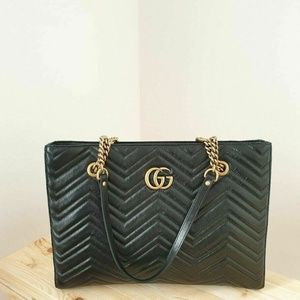 Gucci GG Marmont Medium Quilted Tote Bag - Black